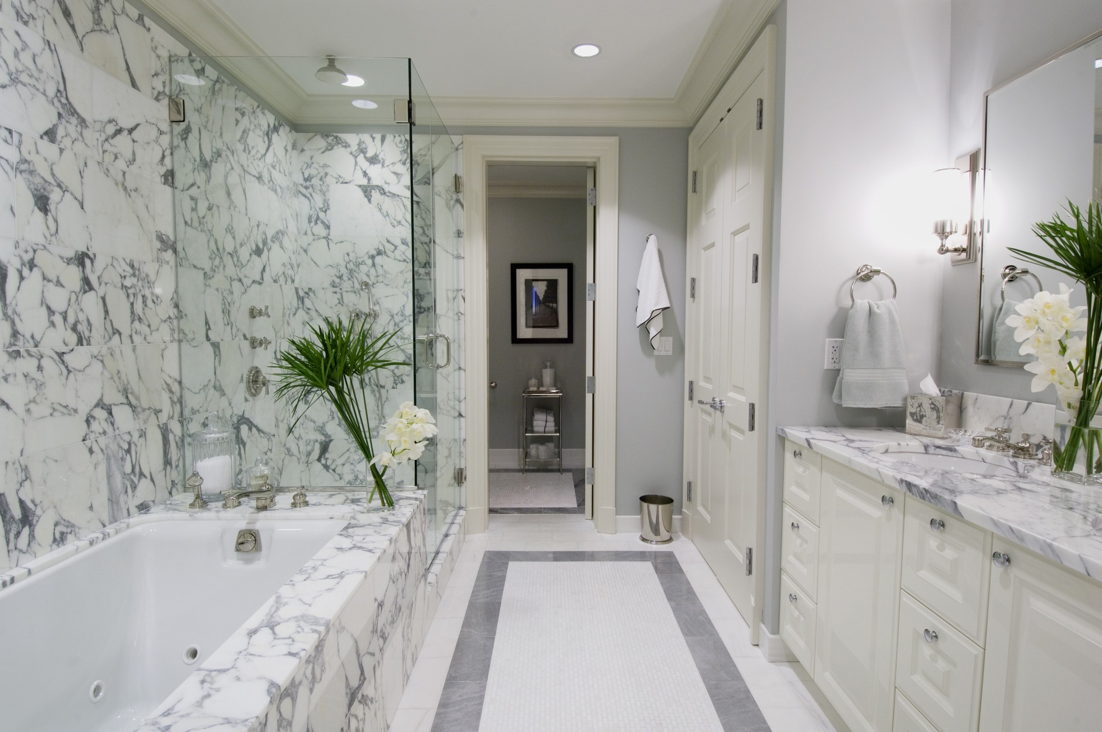Why you should use marble in your bathroom remodel for Bathroom ideas marble tile